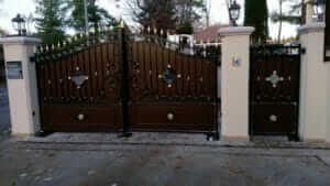 Morges, Switzerland: S800 ENC 230V in private house – Gate and installation by MICCOTEC SA